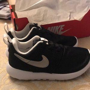 Nike Roshe One (TDV) size 10C